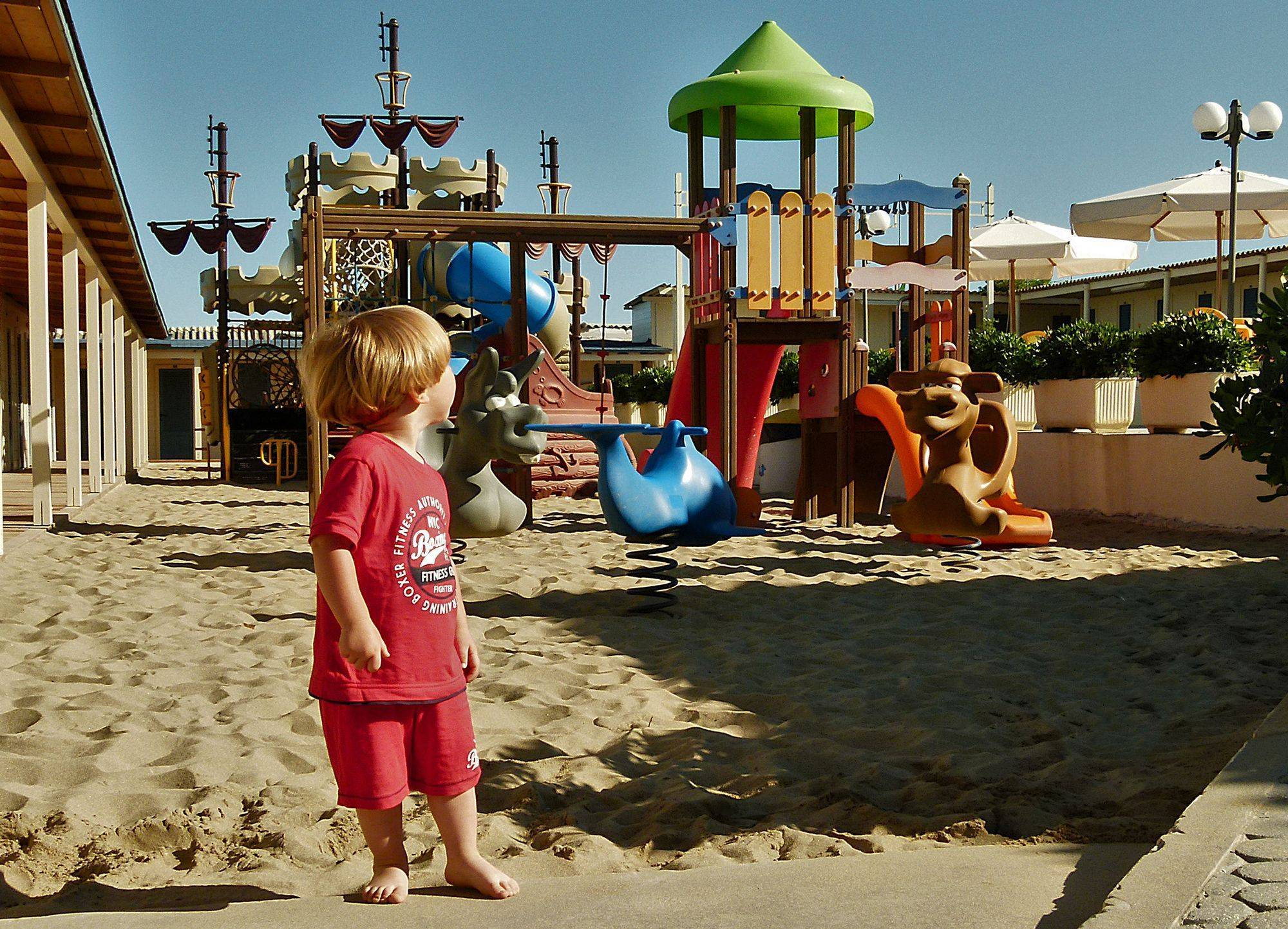 Bagno paradiso tirrenia stabilimento balneare per bambini